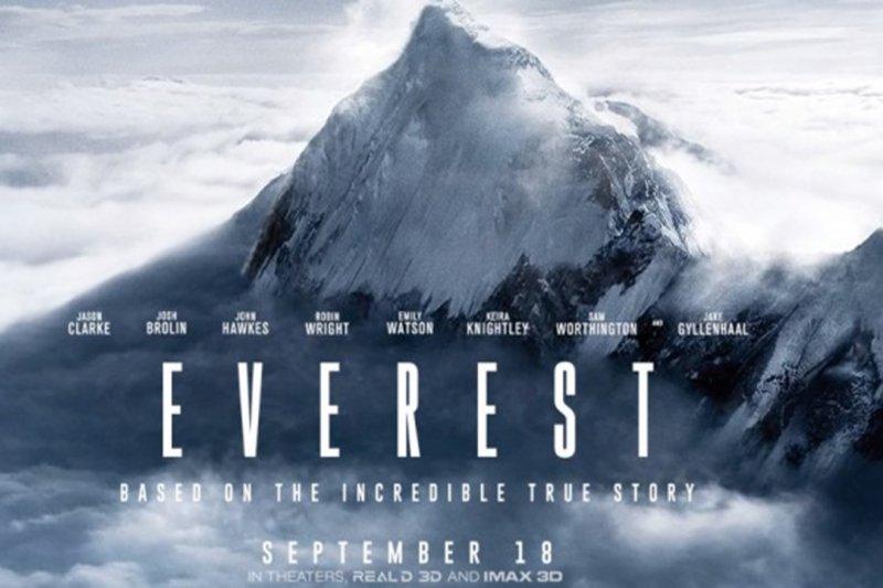 《聖母峰》電影海報