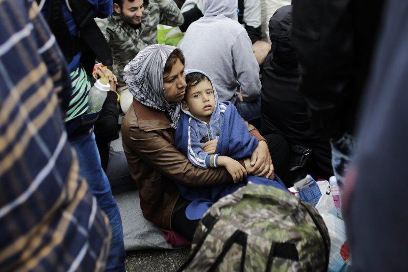 克羅埃西亞邊境的難民。(美聯社)