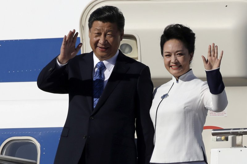 中國主席習近平抵達美國,預計25日進行首度訪問,將與美國總統歐巴馬展開「歐習會」。(美聯社)