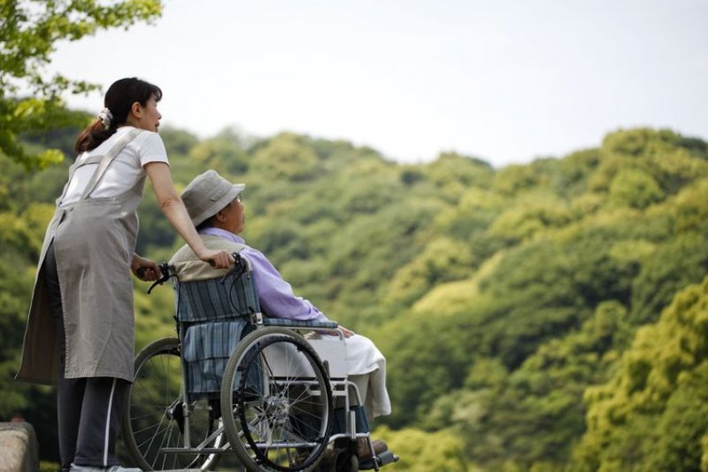 步入高齡化社會,長照是台灣必須面對的問題。(來源;新光人壽長照網)