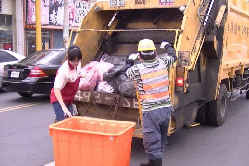 雲林縣爆發垃圾危機,雲林縣環保局估計全縣每天需堆置約200噸的垃圾。(取自麥寮鄉公所網站)