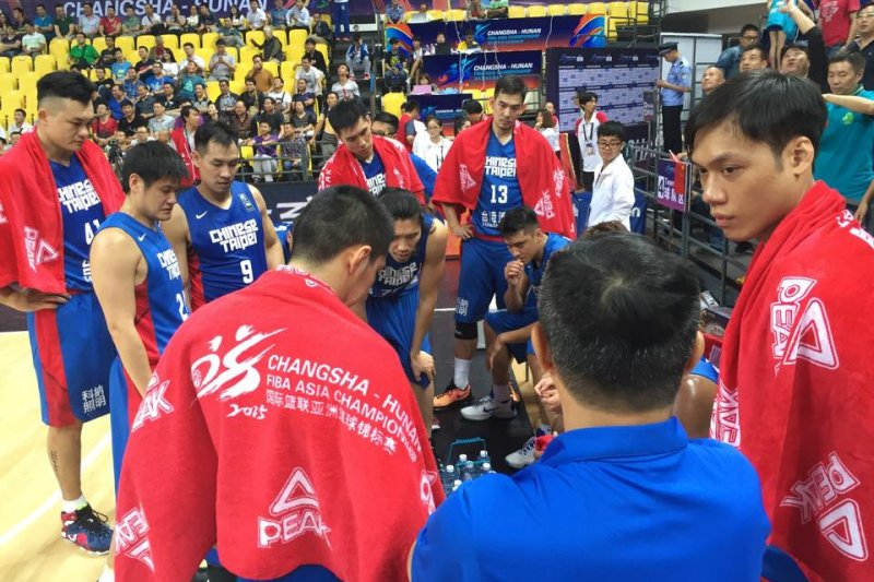 台灣男籃本屆亞錦賽獲得史上最差名次,目前正在中國長沙備戰亞洲錦標賽的台灣男籃副領隊張承中不滿體育署說空話,27日再次於臉書回嗆。(取自張承中臉書)