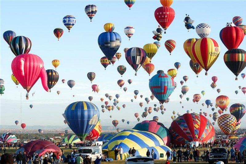 國旅將開跑,剛好趕上一年一度的台東熱氣球節,快安排假期來一趟戶外散心之旅吧!(資料照,圖片來源:flickr CC@Eric Ward)