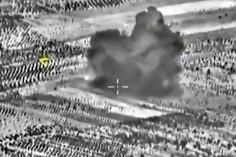 俄國國防部公布「伊斯蘭國」據點被炸的照片。(美聯社)