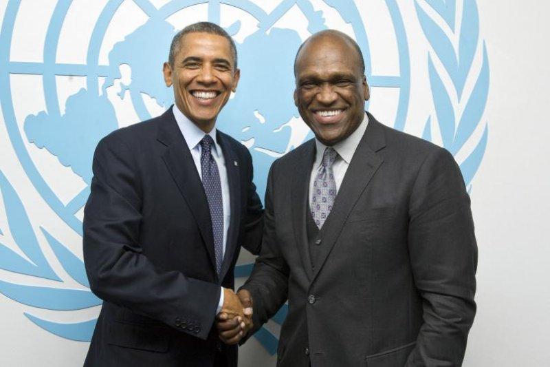 歐巴馬與曾任了聯合國大會主席的艾希。(取自全球可持續發展基金會官網)