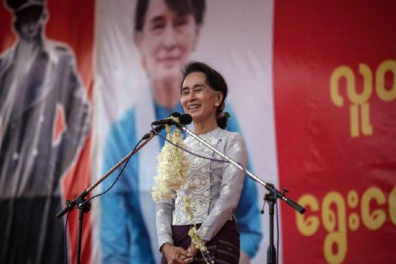 在軍政府制訂的憲法下,翁山蘇姬不能擔任緬甸總統。(BBC中文網)