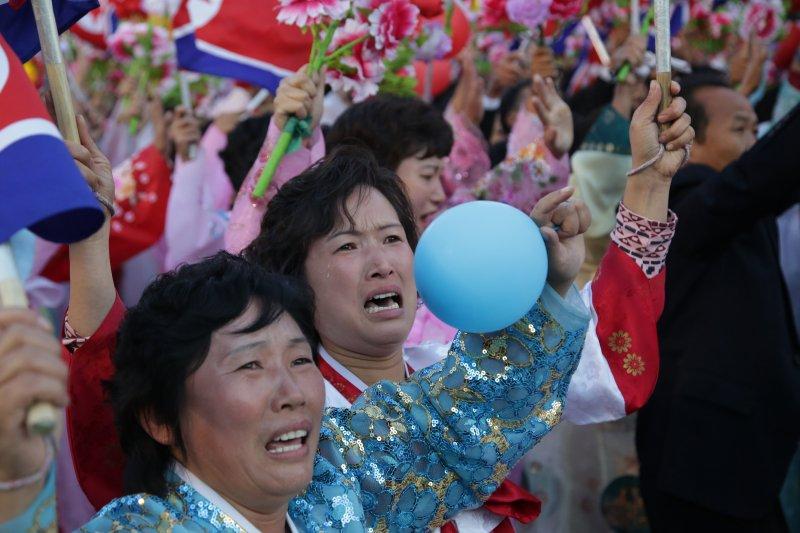 觀看閱兵的朝鮮人民。(資料照,美聯社)