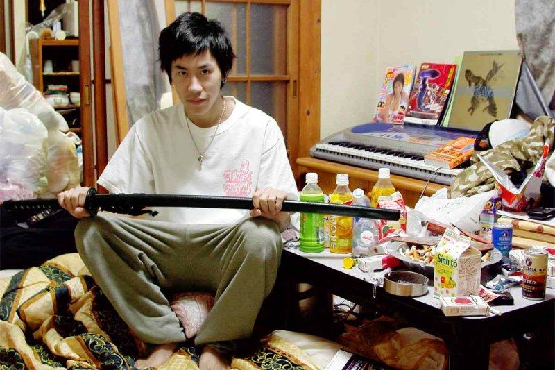 在日本有超過100萬名繭居族,已成一種社會問題(圖/wikimedia)