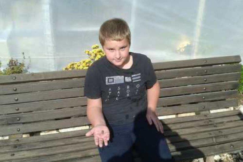 幸運發現所羅門時期古文物的10歲大俄國小男孩,瑪特威。(取自推特)