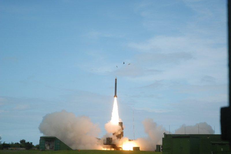 「迅聯專案」戰鬥系統就是要把自製的弓三防空飛彈,用於垂直發射系統內,並完成所有的作戰測試。(取自中科院網站)