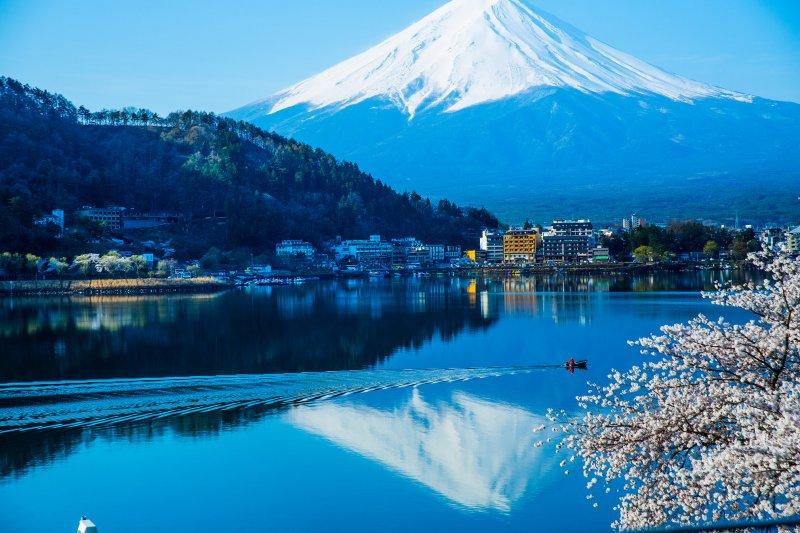 河口湖旁景致怡人,鄰近富士山,拍攝的照片都充滿日本風情。