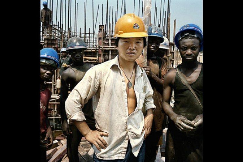 中國投資非洲,中國人也大舉進駐非洲。(來源:理論動態/海外頭條網)