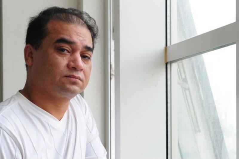 中國維族學者伊力哈木•土赫提周四與家人見面要求申訴他的案件,不過他的家人還未決定以伊力哈木自己還是家屬的名義進行申訴。(BBC中文網)