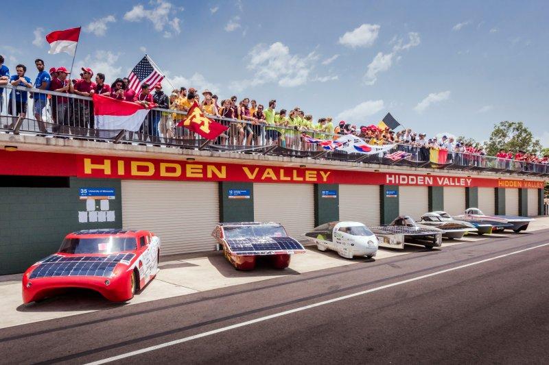 18日,WSC於澳洲開賽,圖為達爾文港的賽車休息區。(美聯社)
