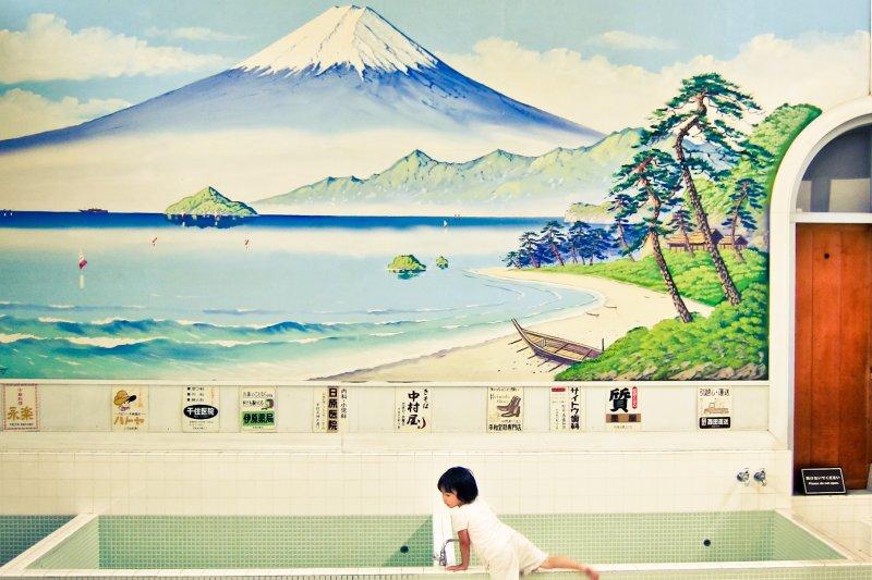 日本人洗澡的浸浴文化,有其特有的規矩。(圖/Héctor García@flickr)