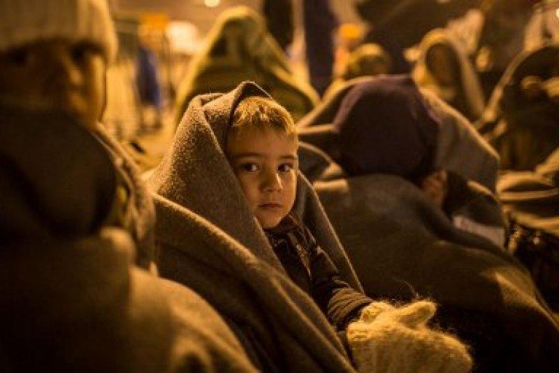 冬天將屆,增添敘利亞難民(或移民)生存的變數。(取自推特)
