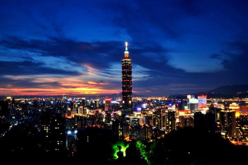 101夜景。(圖片來源黃肇堃/flickr)