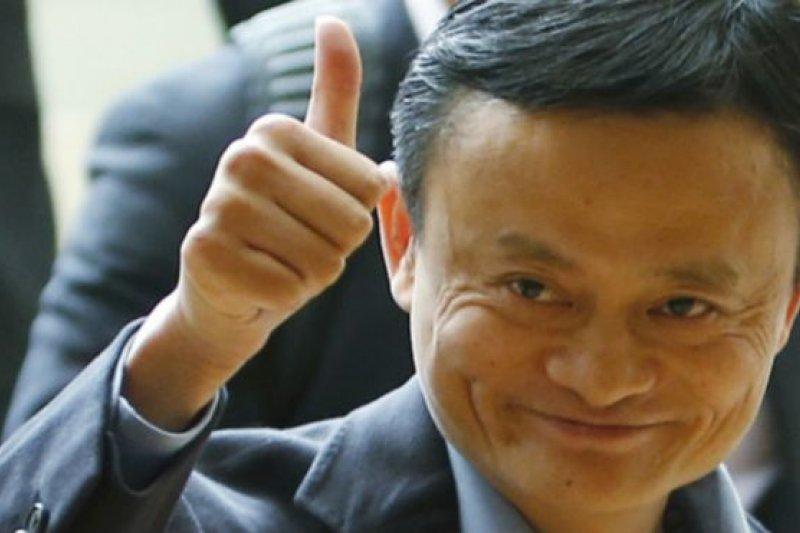 在中國國家主席習近平即將抵達英國開始國事訪問之際,馬雲應邀到首相府唐寧街10號與卡麥隆首相會晤,討論他的顧問角色。(BBC中文網)