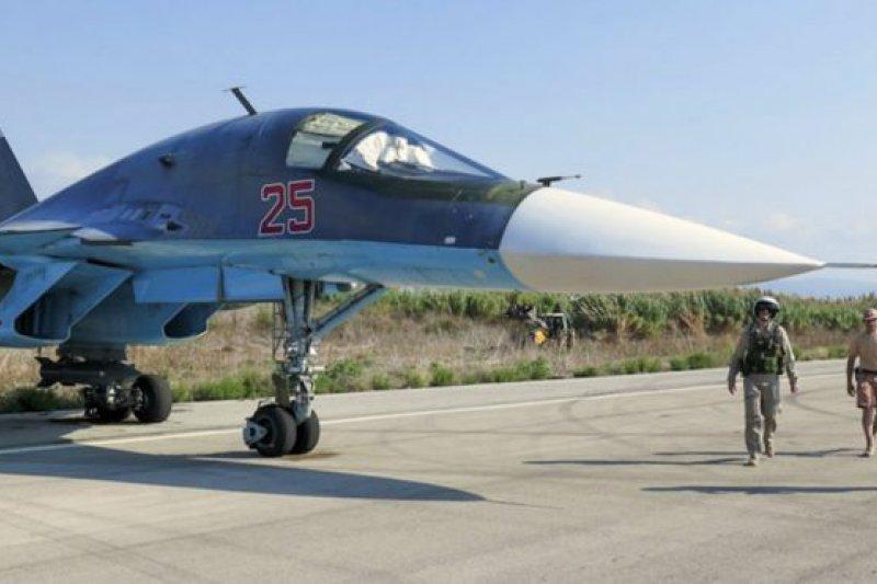 俄羅斯說,他們應盟友敘利亞總統阿薩德的要求提供軍事援助,開始針對伊斯蘭國和其他聖戰者組織的武裝發動空襲。(BBC中文網)