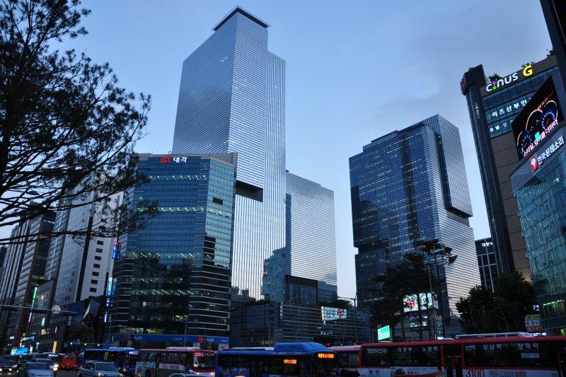 首爾江南區的三星城。(取自維基百科,Oskar Alexanderson攝/CC BY2.0)