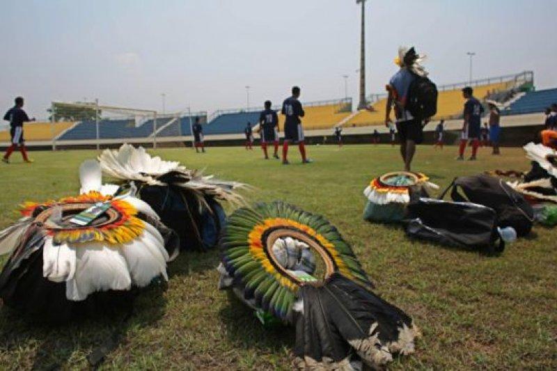 本屆運動會也有非競賽類項目,包括用頭來「踢」的足球賽(xikunahity),以展現不同原住民族群的不同文化。(BBC中文網)