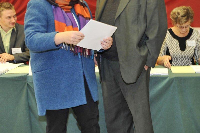 波蘭新任女總理希德沃(Beata Szydło)與丈夫愛德華(美聯社)