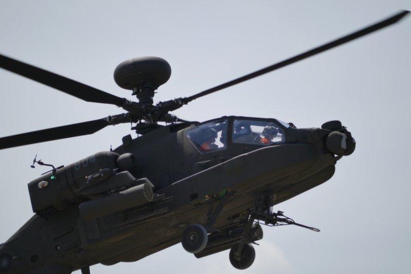 阿帕契AH-64E直升機-朱明攝