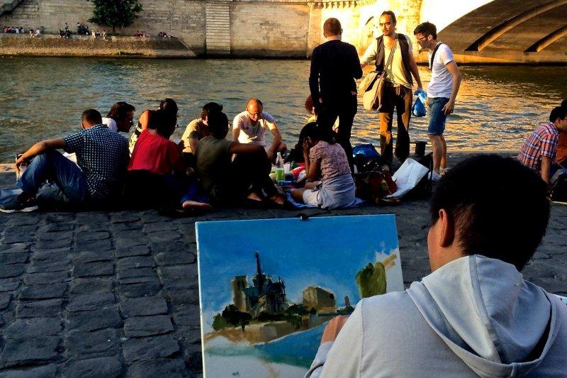 旅行是挑戰自我的實現,吳柏均勇闖巴黎實踐夢想。(圖/林正盛@facebook)