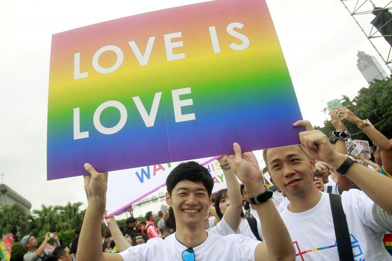 號稱亞洲最大規模的同志遊行,10/31在台灣台北舉行。(美聯社)