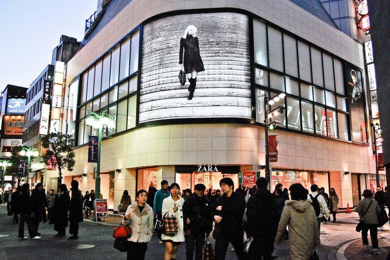 亞洲富裕人群對奢侈品和服務的需求「永無止盡」的明證,並鞏固了作為奢侈品消費主導地區的地位。(圖/Ikusuki@flickr)