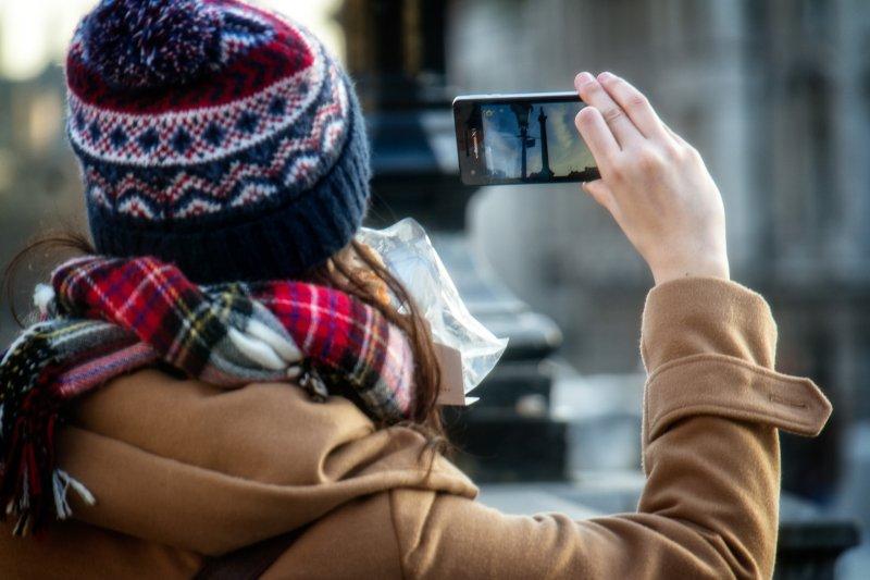 為什麼日本手機關不掉這個功能呢?(圖/ Kelly Sikkema@flickr)