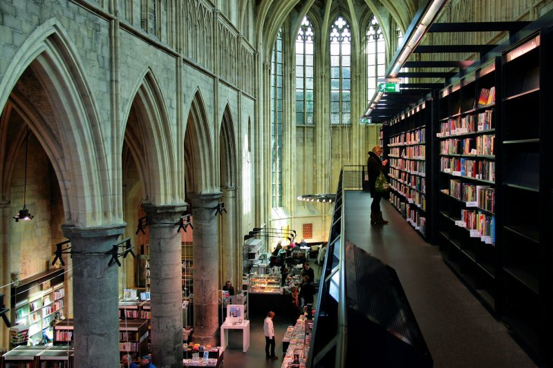 「Selexyz Dominicanen Bookstore」是CNN票選出來的世界十大最美書店之一!(圖/Jorge Franganillo@flickr)