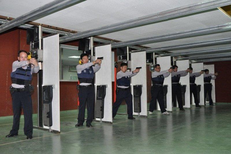 警政署採購4萬9600把手槍,預計在5年內逐步汰換全國警用手槍。(取自金門縣警局電子報)