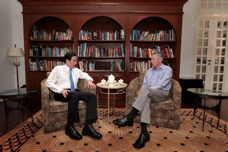馬習會後,新加坡總理李顯龍與馬英九總統喝茶敘舊(臉書)