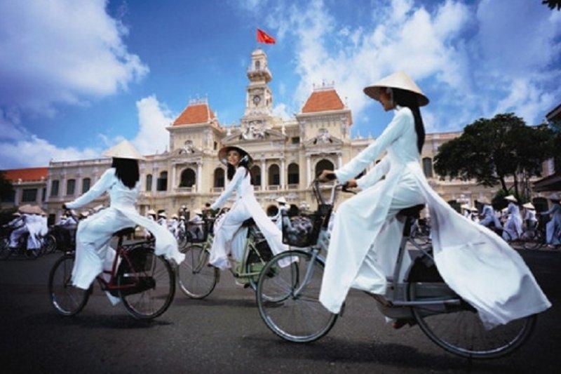 作者認為,台灣人真的應該要有一大部分比例的人學習東南亞語言。圖為越南首都河內。(資料照,取自滬江網)