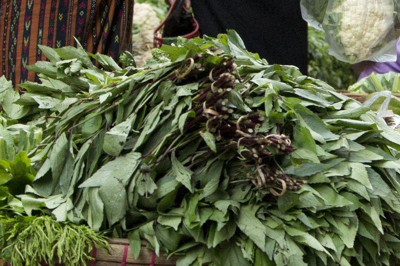 綠色和平組織公告大潤發、全聯等8大超市、通路的蔬果抽驗結果,顯示近7成有農藥殘留。(美聯社)
