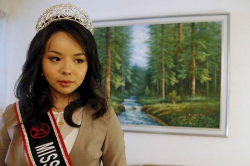 林耶凡表示,她在參加選美已經對人權問題感興趣。(BBC中文網)