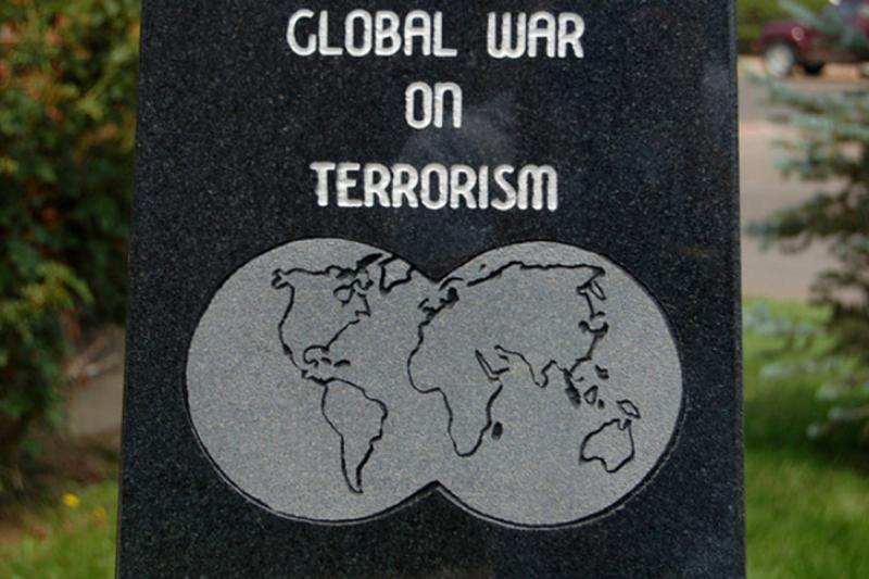即使歐美各國致力於反恐戰爭,卻也有許多年輕人對恐怖主義產生憧憬,甚至加入其中(Matt Lemon,CC licensed)