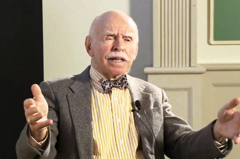 紐約大學法學院教授孔傑榮(Jerome Alan Cohen),在《外交政策》雜誌發表對馬習會看法。(取自NYU School of Law Youtube頻道)