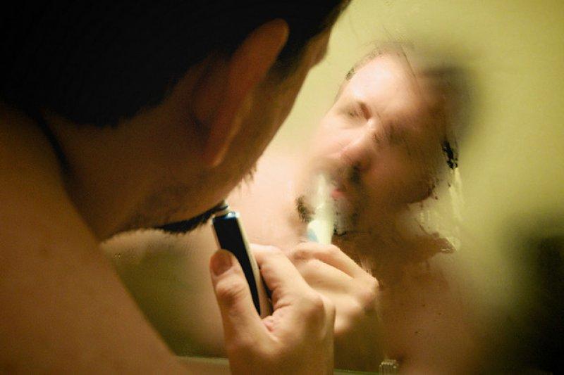 小房夫妻最忌占用浴室時間過久(圖/bark@flickr)