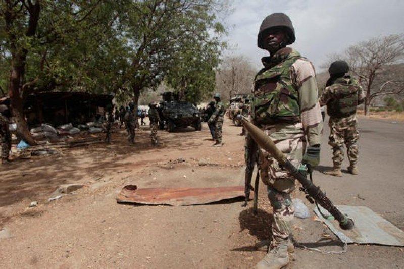 奈及利亞軍方被指控把受害孩童當成恐怖嫌犯對待。(資料照,美聯社)