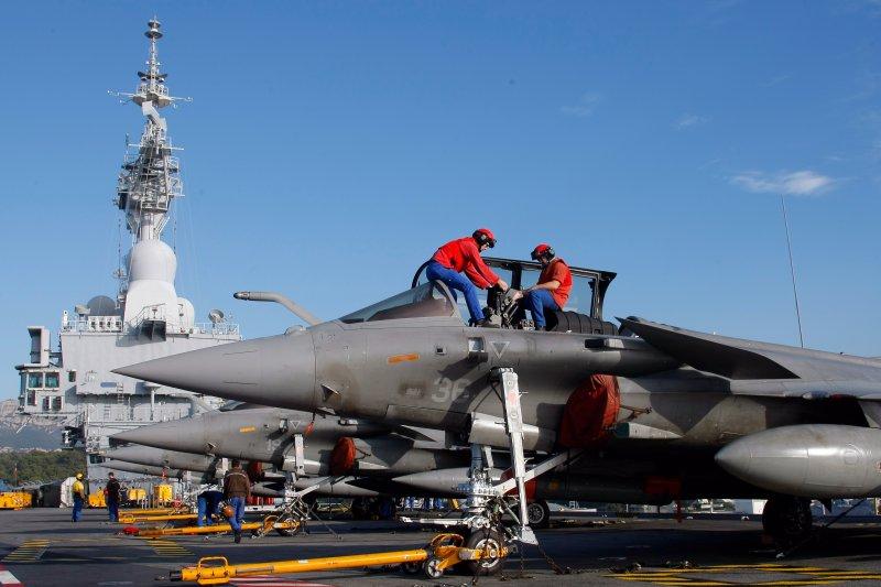 戴高樂號核動力航空母艦上的艦載主力「疾風」戰機。(美聯社)