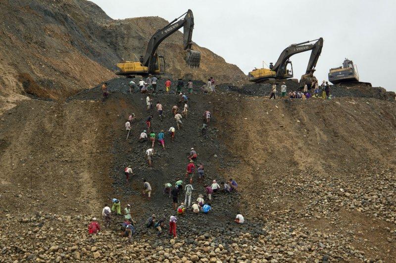 緬甸克欽邦(Kachin)帕坎鎮(Hpakant)的玉石礦區,經常發生嚴重的意外(美聯社)