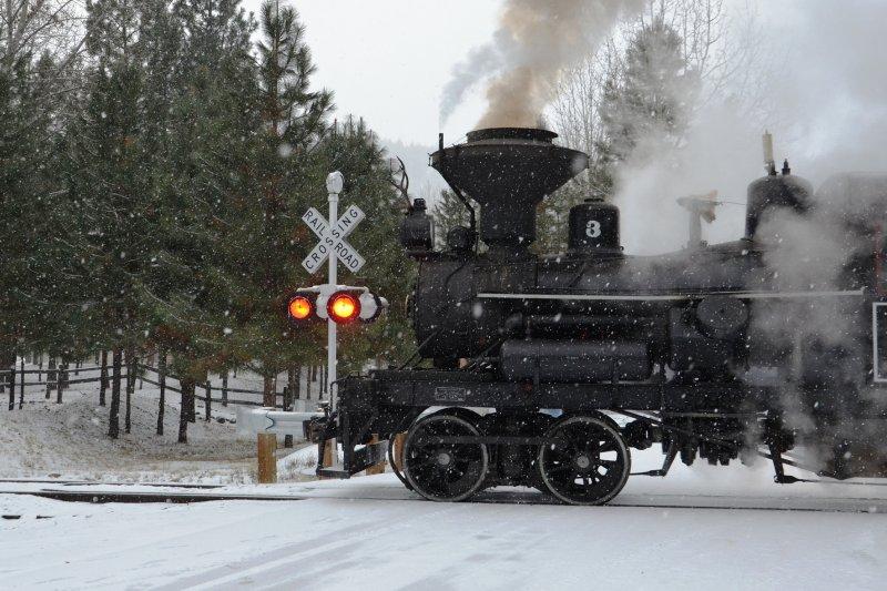 哪國火車不誤點?即使是嚴謹的德國,也時常因為天候因素無預警的誤點與停駛。(圖/Baker County Tourism@flickr)