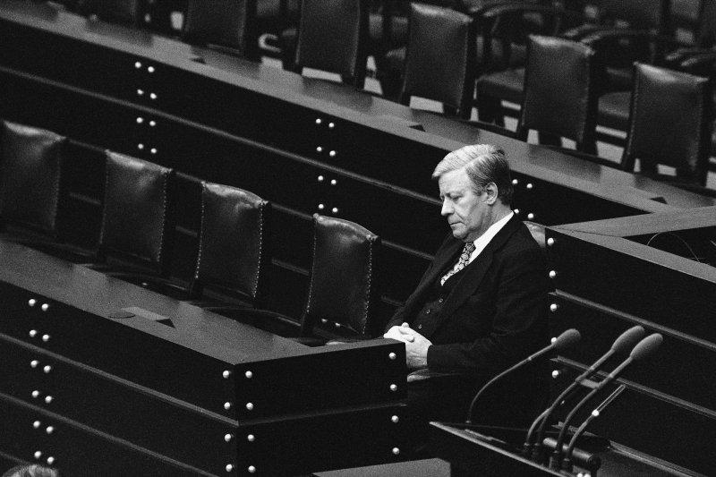 西德前總理施密特(Helmut Schmidt),1980年11月5日留影於聯邦議院(美聯社)