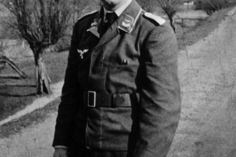 西德前總理施密特(Helmut Schmidt),二戰時期,服役於納粹德國空軍(美聯社)