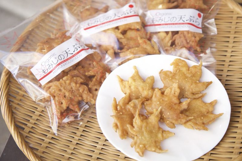 你知道紅葉樹也能做天婦羅嗎?來看看這個大阪名產是怎麼製做的吧!