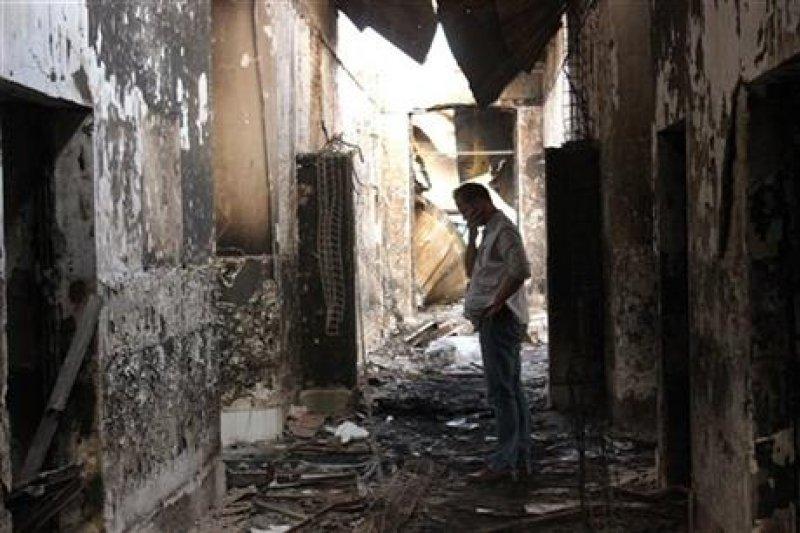 被美軍轟炸過後的MSF醫院殘骸(取自美聯社)