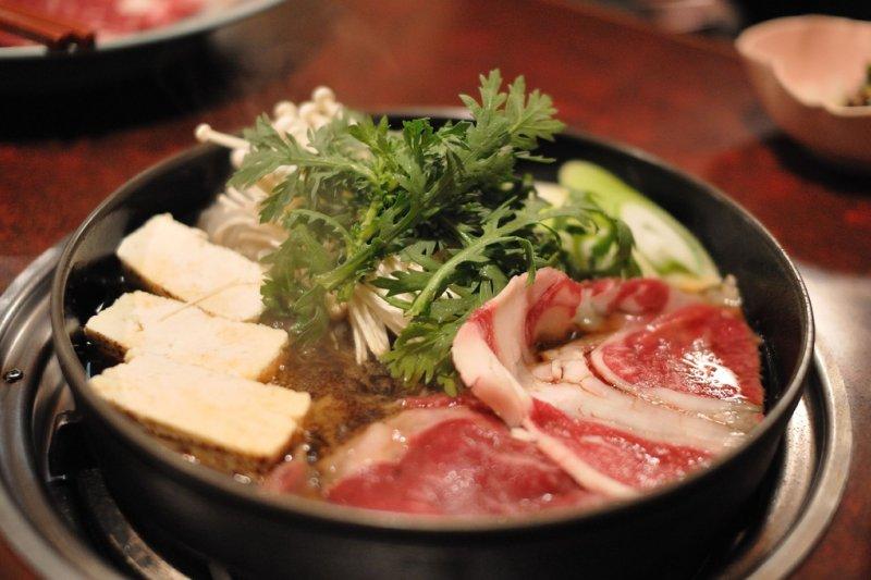 壽喜燒確實美味,但台灣的石頭火鍋更香!(圖/ajari@flicrk)