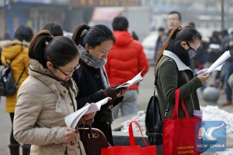 中國年度國考27日登場,共計148萬6300人通過審查參加考試。